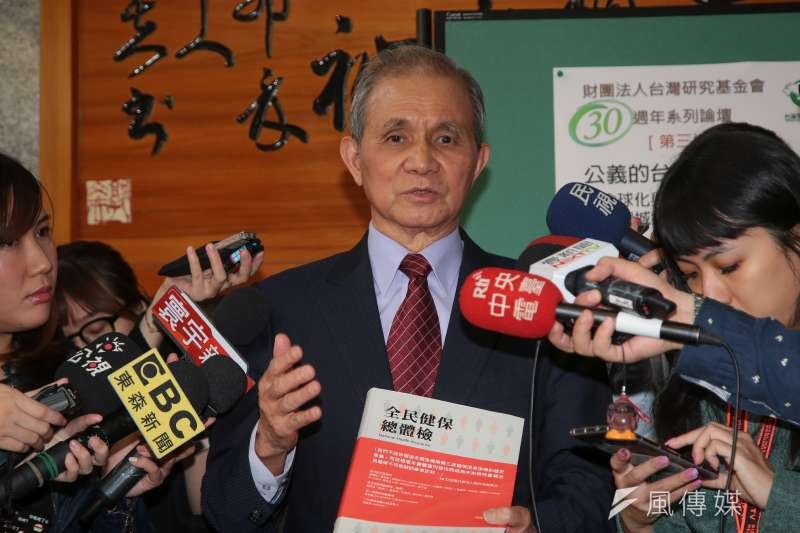 被提名的促轉會主委黃煌雄31日出面向媒體說明接任緣由。(顏麟宇攝)