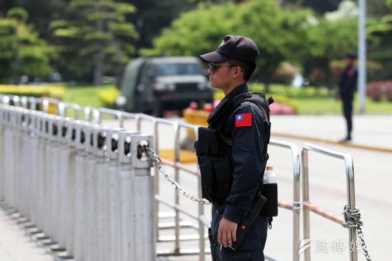 2018年4月1日,總統府憲兵部隊換上新裝備(蘇仲泓攝)
