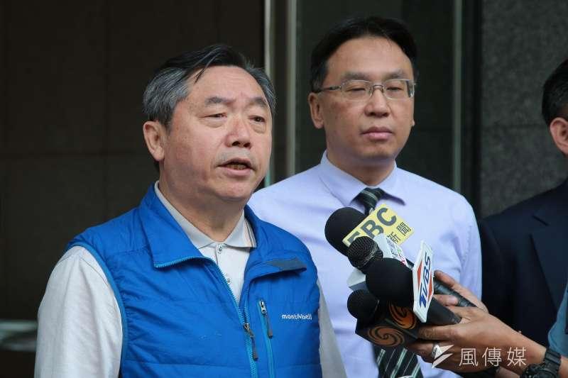 台北地檢署10日針對國民黨黨產相關資料,搜索眾達法律事務所,國民黨行管會主委邱大展至現場說明。(顏麟宇攝)