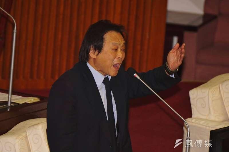 台北市議員王世堅(見圖)賭性堅強,昨(20)日再度發下豪語,若總統蔡英文連任成功就跳海慶祝。(資料照,盧逸峰攝)