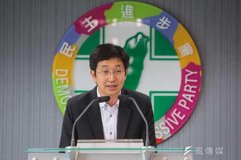 20180411-民進黨發言人蔡適應11日於民進黨中執會後說明。(顏麟宇攝)