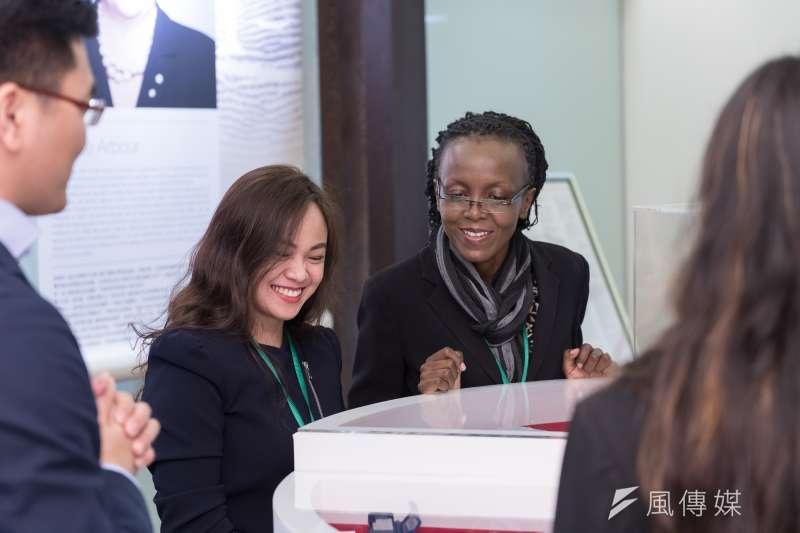 每個機會都是成長路上的墊腳石,Weena Jade Gera教授和Burmen Barbara博士(右)都鼓勵女性別放棄任何努力的機會。(uStory有故事提供)