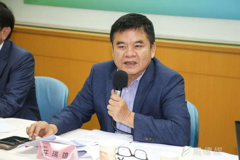 20180412-台灣世代智庫舉行「新北市長選情民調記者會」,(右起)律師譚耀南、立委莊瑞雄。(陳明仁攝)
