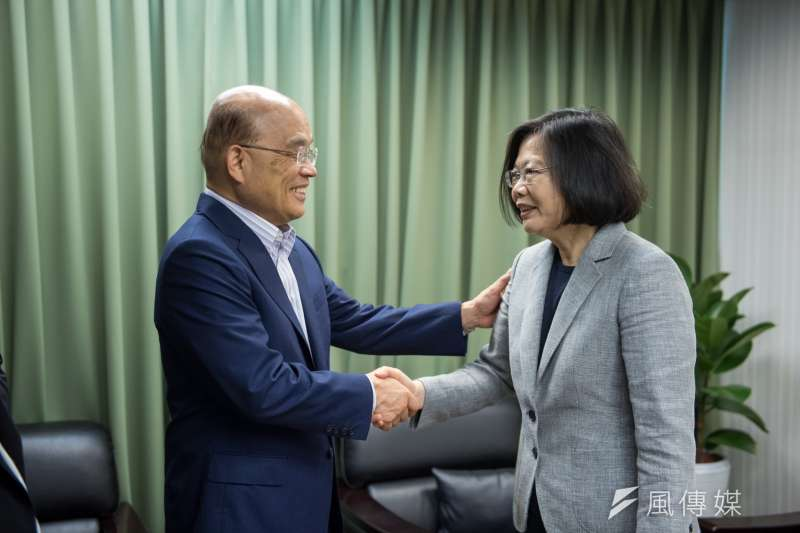 總統蔡英文12日於民進黨中央會見前行政院長蘇貞昌。(民進黨中央提供)