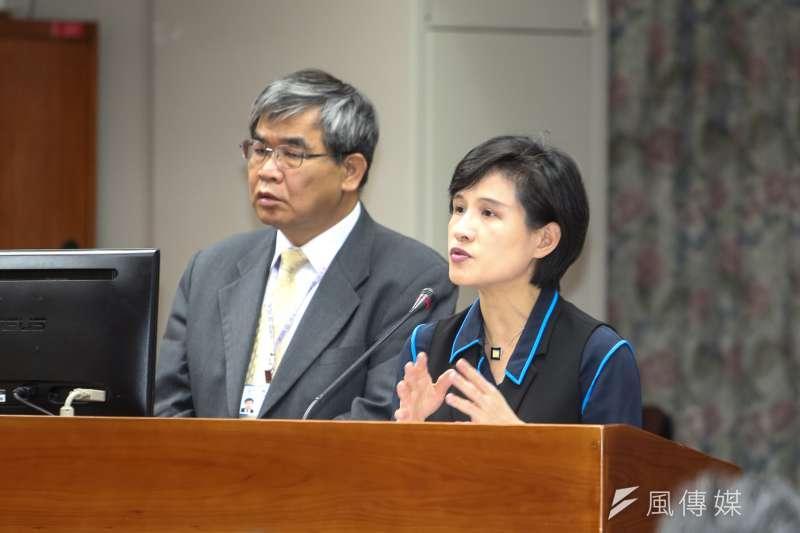 文化部長鄭麗君表示,中國希望吸引台灣人才,但卻加深審批打壓,做法矛盾,呼籲中國應尊重創意工作者的表意自由。(陳明仁攝)
