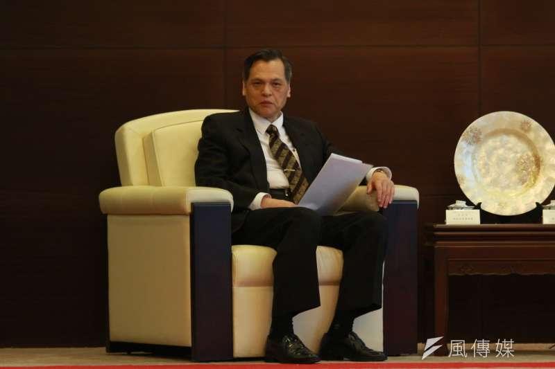 陸委會主委陳明通指出,「中華民國不可能以讓渡主權來換取虛幻的和平」。(資料照,陳韡誌攝)