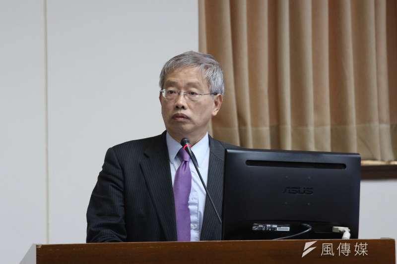 20180419-立法院經濟委員會審查法案,台灣大學法律學院教授陳志龍發言。(陳韡誌攝)