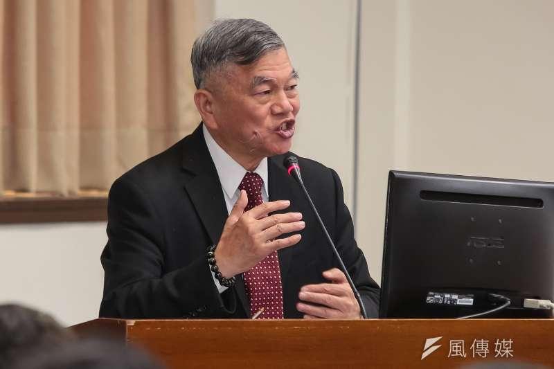 備轉容量率掉到4%,經濟部長沈榮津猶說 「電力供應充足」。(資料照片,顏麟宇攝)