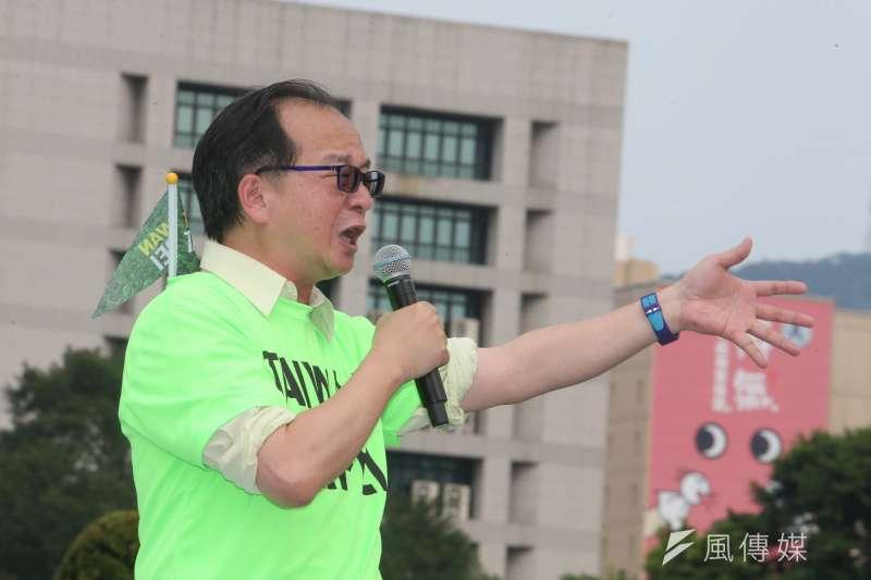 資深媒體人王瑞德(見圖)選前已對23名台北市長柯文哲粉絲提告,昨(25)日也正式對高雄市長韓國瑜的數十名粉絲提告,誓言捍衛自己人格「追殺到底」。(資料照,陳明仁攝)