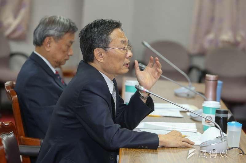 總統蔡英文提名江惠民為檢察總長。圖為江惠民(中)今(23)日在立法院備詢。(陳明仁攝)