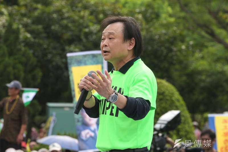 民進黨台北市議員王世堅,出席立委姚文智發起的「422機蛋大遊行」。(陳明仁攝)