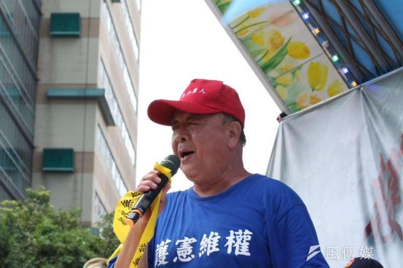 20180426- 反年改抗爭尚未結束,八百壯士副指揮官吳斯懷宣布擇期再戰。(陳韡誌攝)年金改革