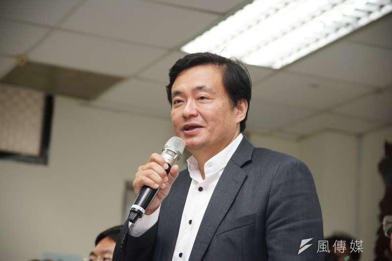 民進黨祕書長洪耀福說,用關3天來嚇阻假新聞,他反對這樣作法。(資料照,盧逸峰攝)