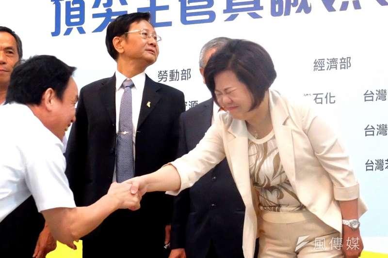 2018年4月27日,勞動部於高雄煉油廠舉行企業工安高峰會,勞動部長許銘春出席(謝孟穎攝)