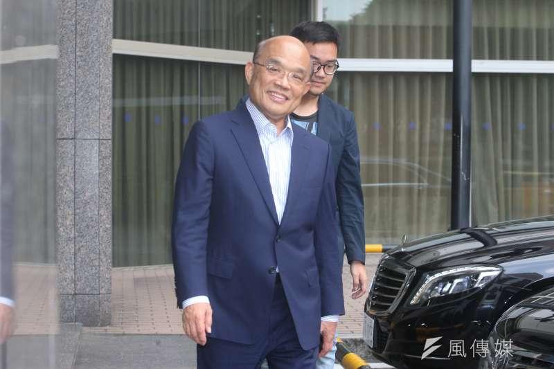 作者指出,1997年的台北縣長選舉中,年方50歲的蘇貞昌曾經批評58歲的謝深山過老,更以「選縣長就像在選購牛排,絕對不要挑太老或太嫩的肉」的比喻來羞辱謝深山的年齡。(資料照,陳明仁攝)
