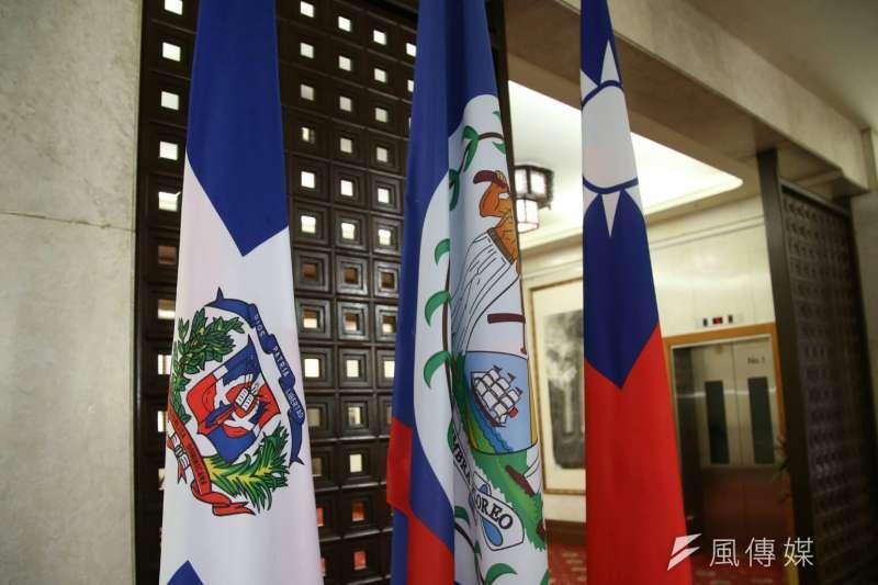 外交部長吳釗燮1日宣布,中華民國政府終止與多明尼加的外交關係。教育部指出,目前共有91位多明尼加學生在台灣留學,若他們願意留在台灣,會與所屬大學協調,給予相關協助。(陳明仁攝)