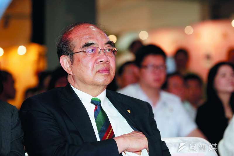 上台即爭議不斷的吳茂昆,完成了「拔管」任務。(郭晉瑋攝)