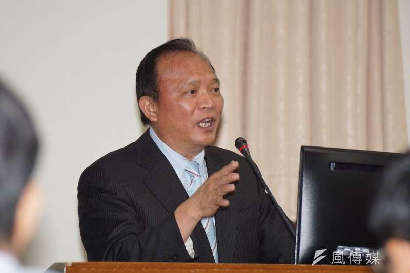 農委會主委林聰賢21日表示,對吳音寧買菜爭議細節不是很清楚,但從結構上來看認為他是在做對的事。(資料照,盧逸峰攝)