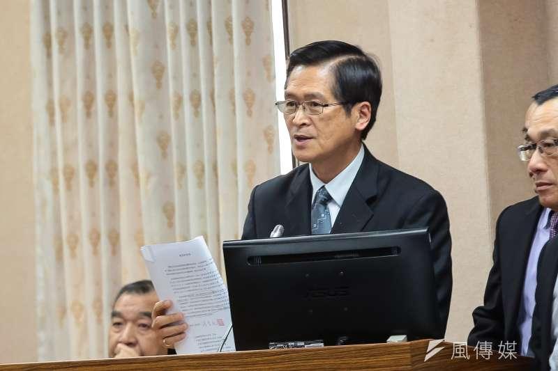 國防部長嚴德發於立法院國防委員會備詢。(顏麟宇攝)