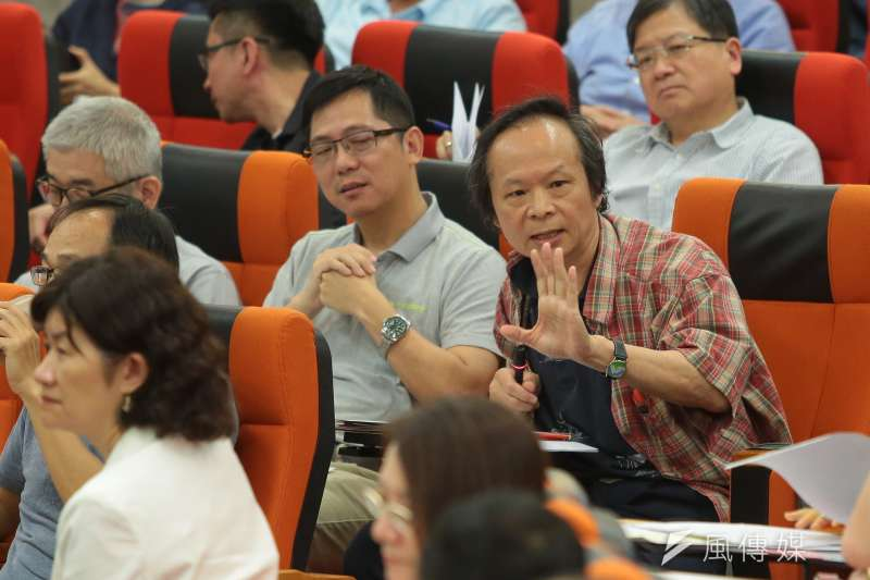 20180512-台大教授官俊榮12日出席台大臨時校務會議。(顏麟宇攝)