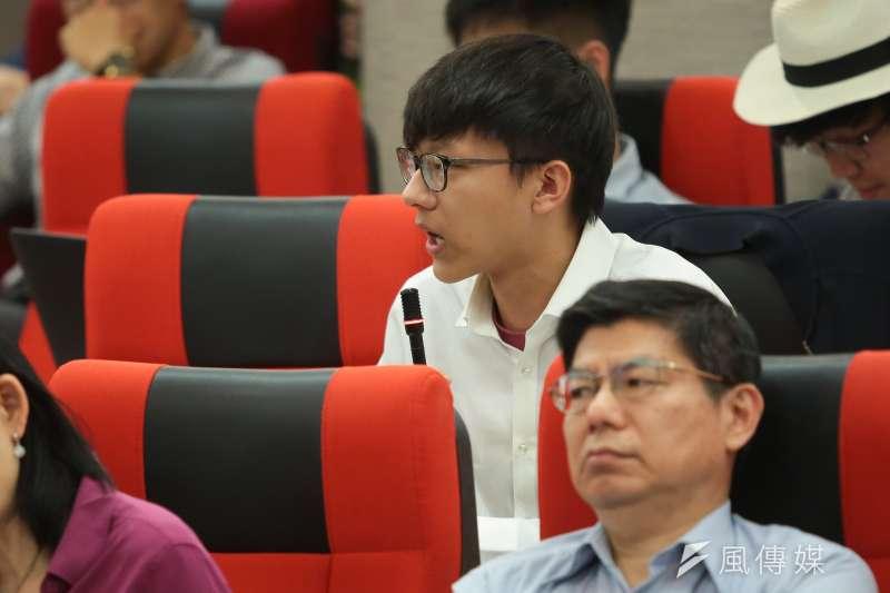 台大12日舉行臨時校務會議,台大學生會長林彥廷出席。(資料照,顏麟宇攝)