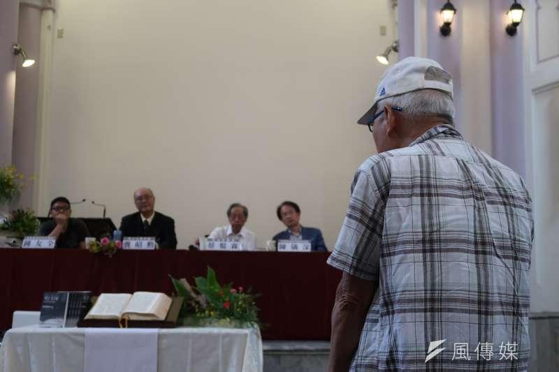 20180513-蘇友鵬傳記《死亡行軍》,新書發表會13日在台北濟南教會舉行。(朱冠諭攝)