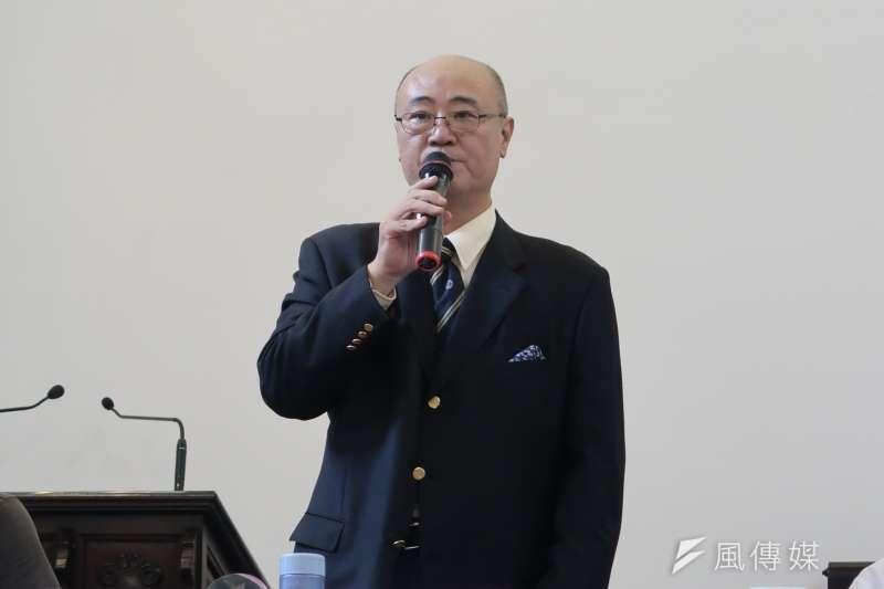 20180513-蘇友鵬傳記《死亡行軍》,新書發表會13日在台北濟南教會舉行。本書作者、蘇友鵬醫師的姪子龔昭勳。(朱冠諭攝)