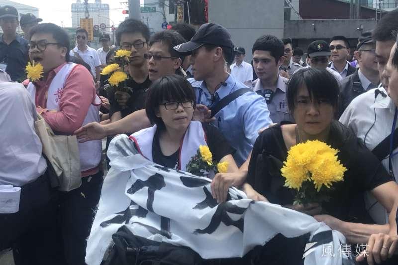 20180518-板橋大觀社區迫遷戶18日於國家人權博物館進行抗議。(謝孟穎攝)