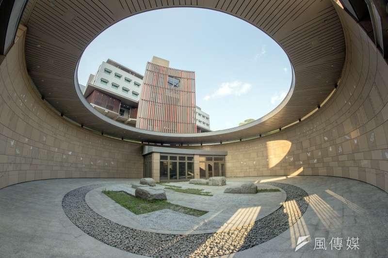美國在台協會(AIT)新辦公大樓將在本月12日舉行落成典禮,美國國務院表示,新大樓的啟用展現美國對台灣的堅定承諾與長久友誼,也反映美台的密切合作。(資料照,AIT提供)