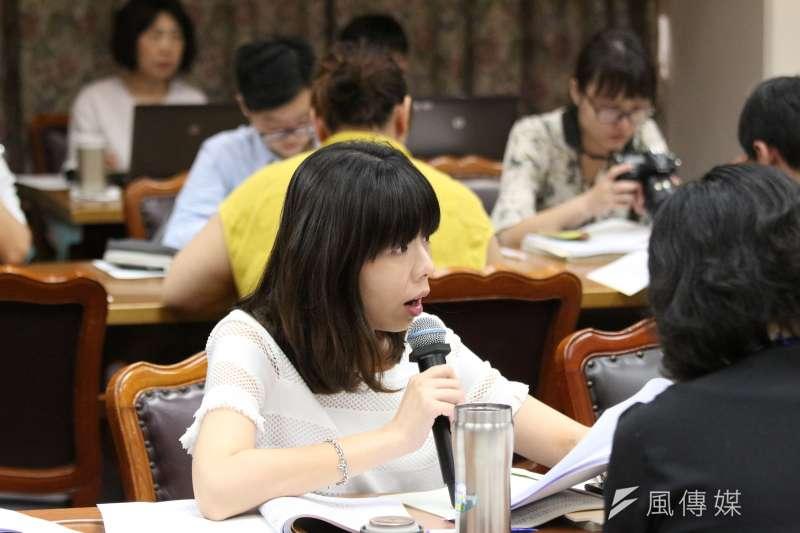 20180521-立法院教育及文化委員會審查預算,立法委員洪慈庸發言。(陳韡誌攝)
