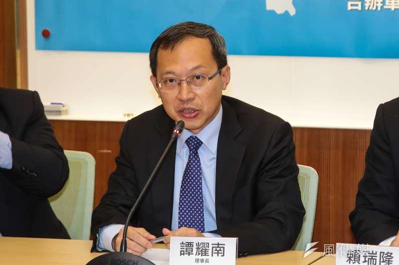20180522-兩岸政策協會理事長譚耀南22日召開「蔡英文總統就職兩週年,兩岸關係總體檢」座談會。(顏麟宇攝)