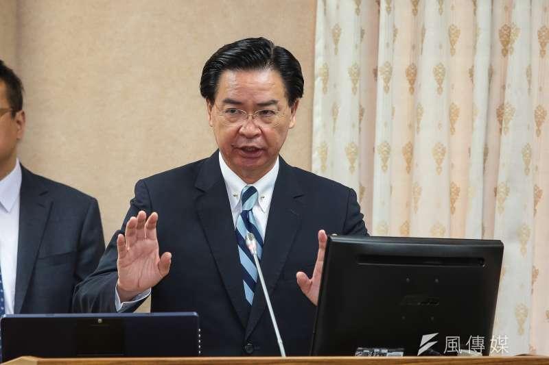 外交部長吳釗燮談到兩岸關係時表示,不反對台灣青年赴中國發展,但是千萬不要改變「認同台灣這件事」。(資料照,顏麟宇攝)