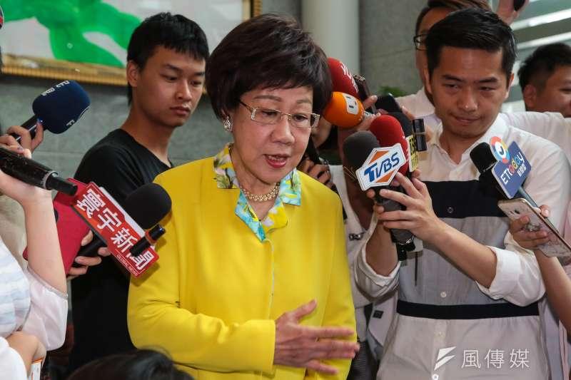 前副總統呂秀蓮晚間的「民進黨掰掰說」,讓許多綠委大感意外!。圖為她26日出席民進黨北市長選戰政見發表會。(顏麟宇攝)