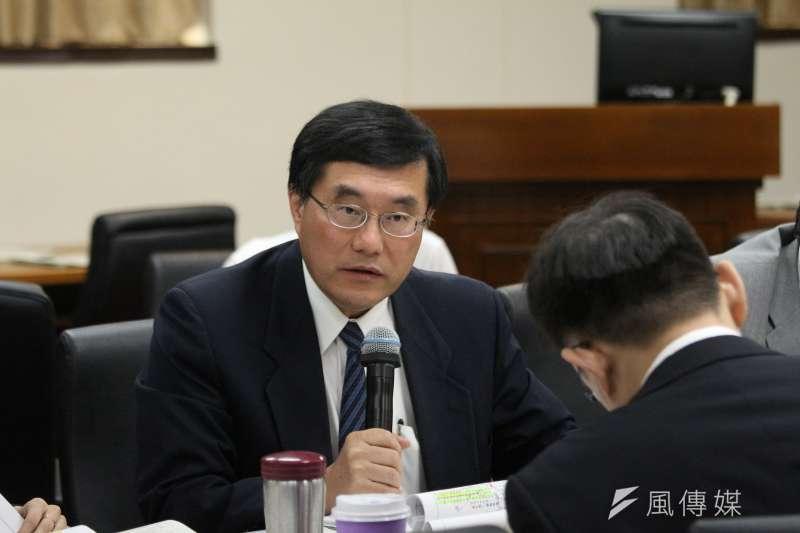 20180528-立法院經濟委員會審查法案,礦務局長徐景文發言。(陳韡誌攝)