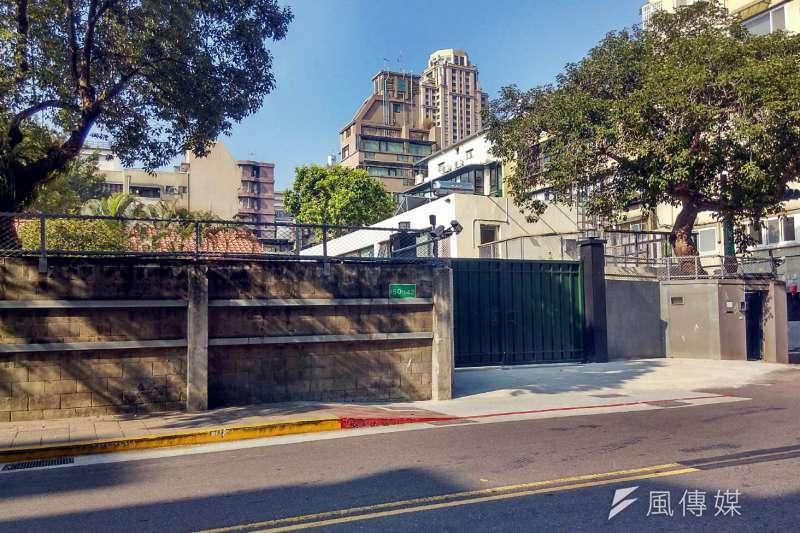 金華官邸過去大門口開在面向金華街、麗水街的位置,如今經過改建,變成開在金華街一側。(蘇仲泓攝)