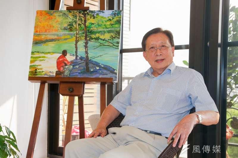 20180604-前行政院院長、中華文化永續發展基金會董事長劉兆玄,筆名上官鼎,《阿飄》作者專訪,架上是他的畫作。(陳明仁攝)