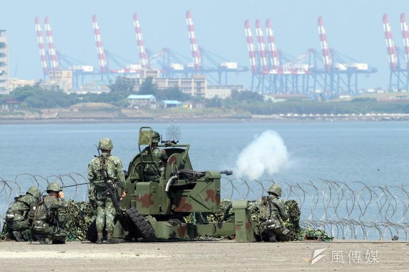 「台灣指標民調」的最新調查顯示,台灣若因宣布獨立遭中國以武力侵犯,有56.1%民眾表示願意為保衛國家而戰。圖為漢光演習實兵演練(資料照,蘇仲泓攝)