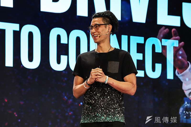 林書豪今天受到英特爾(Intel)的邀請,現身台北國際電腦展,暢談自己在籃球之餘的時間享受電競遊戲帶給他的生活。(圖/記者余柏翰攝)