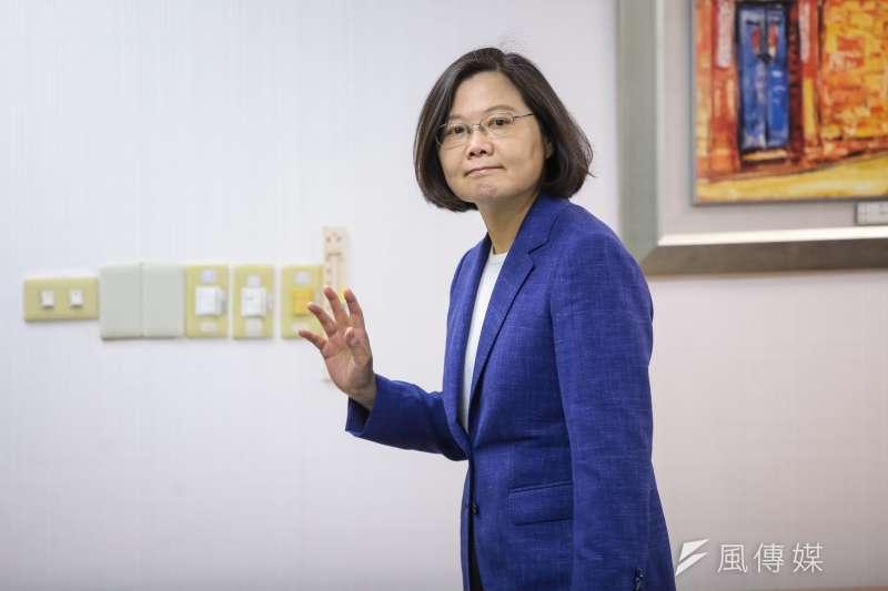 台灣民意基金會調查,在台灣成年人中,有3成3基本上贊同蔡英文領導國家的方式,5成2不贊同。不贊同的人比贊同的人多達19個百分點。(資料照,顏麟宇攝)