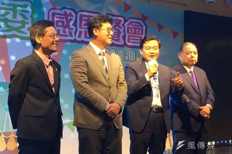 對於民進黨要求北農總經理吳音寧21日自動請辭,民進黨秘書長洪耀福(右二)表示「並無此事」。(顏振凱攝)