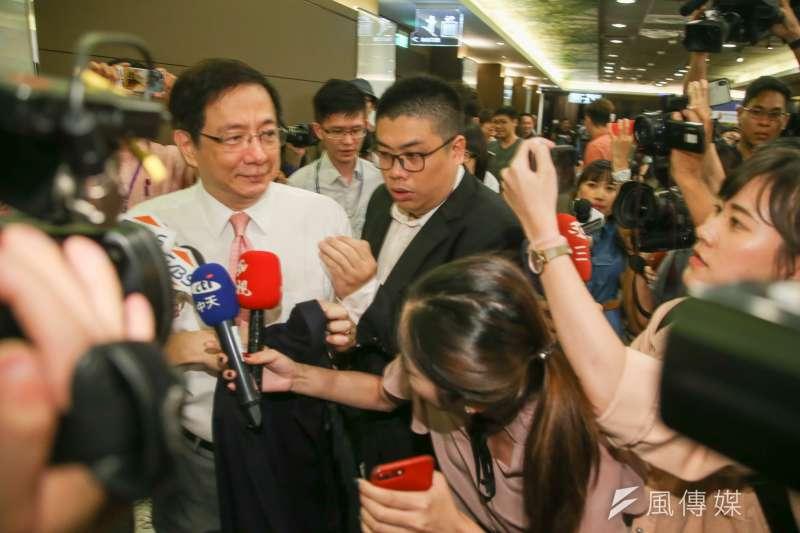 作者指出,在台灣因為政治的因素,各項專業人才成為政客與媒體人的眼中釘,教育部長在短短兩個月內折損了兩個,台大校長人選遲遲無法定案。(資料照,陳明仁攝)