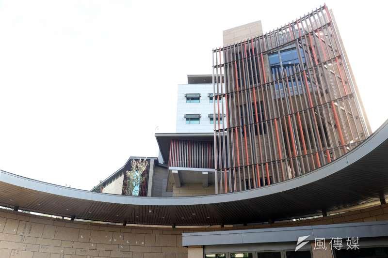 20180612-AIT新館落成典禮,圖為其中一個入口「舞蝶中庭」。(蘇仲泓攝)