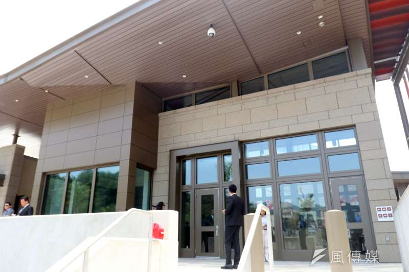 美國在台協會台北辦事處(AIT)將於6日起,正式於內湖新館運作。圖為AIT內湖新館入口處。(資料照,蘇仲泓攝)