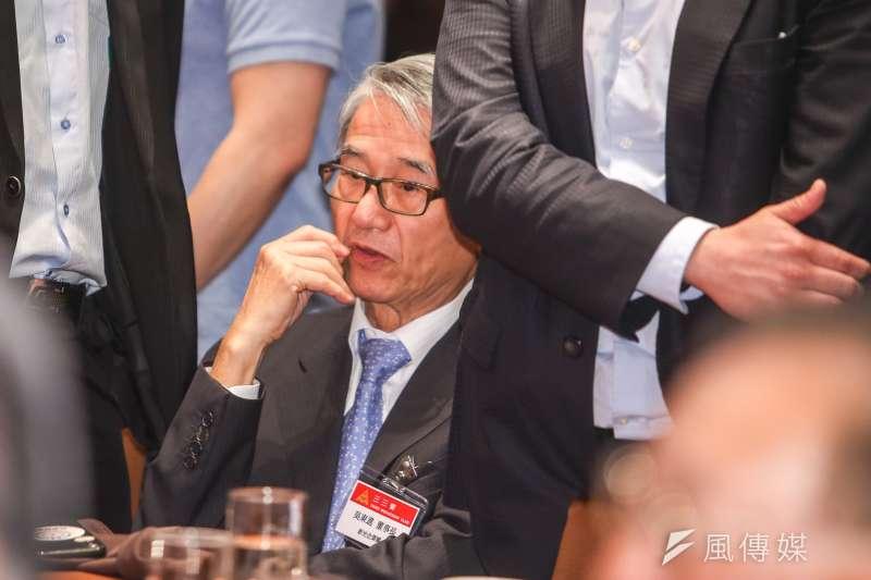 20180620-左閃右躲的新光金控董事長吳東進。(陳明仁攝)