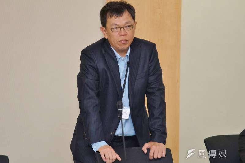 20180510-前總統府副秘書長姚人多陪同總統參訪新竹生醫園區。(盧逸峰攝)