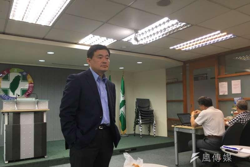 民進黨秘書長洪耀福今(5)日重申,2008年選舉時,他的確徵詢過侯參選嘉義縣長或台中市長。(顏振凱攝)