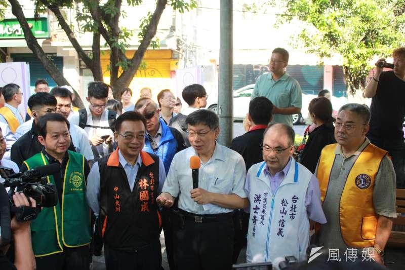 台北市長柯文哲出席親民黨市議員參選人洪士奇辦的活動。(方炳超攝)