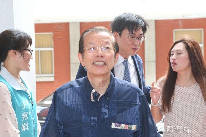 駐日代表謝長廷談假訊息讓外交體系付出重大代價。(陳明仁攝)