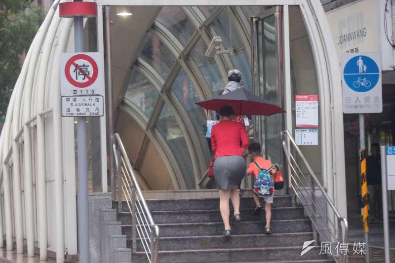去年新生兒只有18萬,少子化對台灣社會與經濟造成的影響會越來越嚴重。(顏麟宇攝)