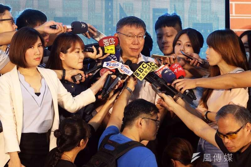 台北市長柯文哲出席巡邏箱電子化系統啟用儀式記者會,並在會後接受訪問。(蘇仲泓攝)